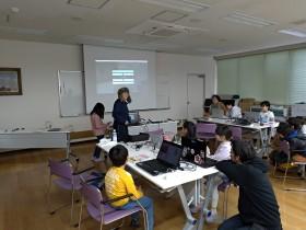 """プログラミングが好きな子どもたちが自由に参加できる""""CoderDojo(コーダードウジョウ)"""" ~子どもの成長を見守るメンターの存在~"""