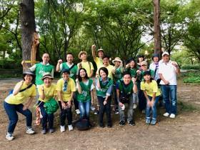 芝生のうえで絵本を楽しむ『えほんpicnic』企画・運営をするボランティア実行委員募集!